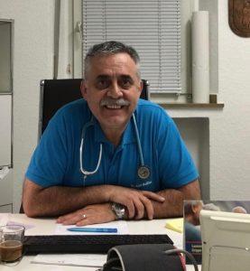 Foto von dem Allgemein und Reisemediziner Dr. Adel Badiian, welcher eine Arztpraxis in Meerbusch hat